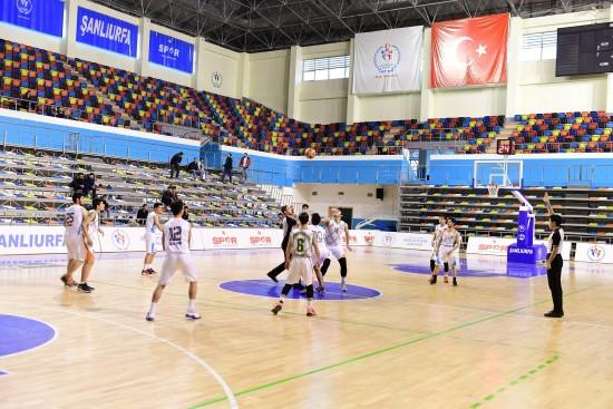 Basketbol takımları çalışmalarını sürdürüyor