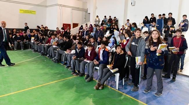 Bozova'daki Öğrencilerin Eğitimine Destek