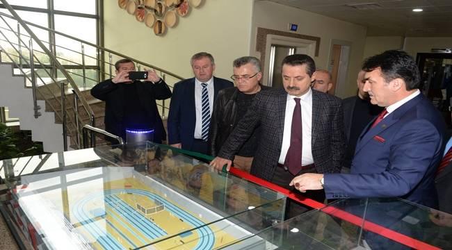 Faruk Çelik, Osmangazi Belediye Başkanını Ziyaret Etti