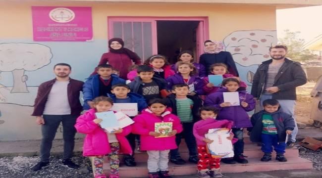 Geleceğin öğretmenlerinden Şanlıurfa köy okullarına yardım