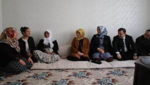 Kaymakam Perçi'den Şehit Korucu Mustafa Akar'ın Ailesine Ziyaret