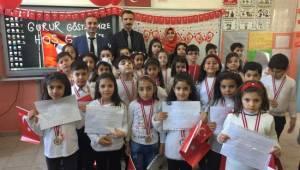 Minik Öğrenciler İstiklal Marşının 10 Kıtasını ezbere okudu