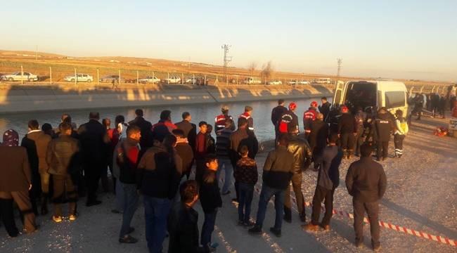 Otomobil Sulama Kanalına Uçtu, 2 Ölü