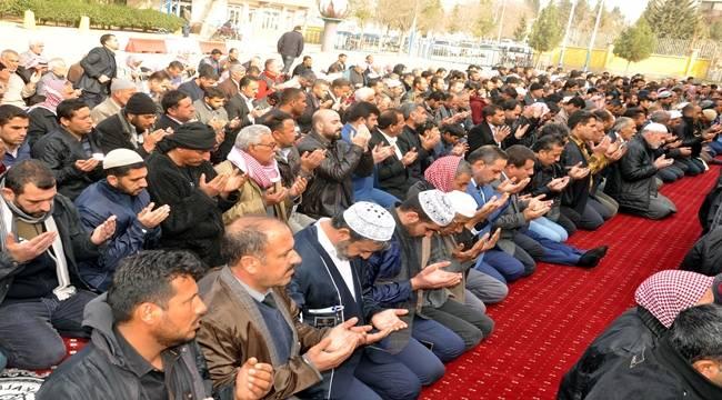 Urfa'da Binlerce Kişi Yağmur Duası Yaptı