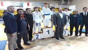 Judo Takımı Yarı Final Müsabakalarına Katılmaya Hak Kazandı