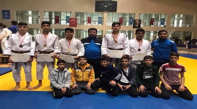 Şanlıurfalı Judocular Takım Halinde Şampiyon Oldu