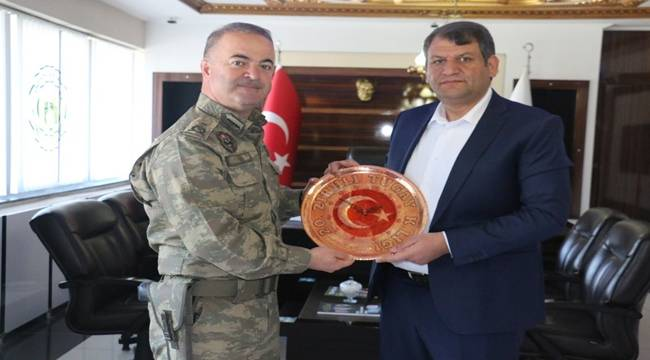 Tuğgeneral Köseali'den Ayhan'a Plaket-Videolu Haber