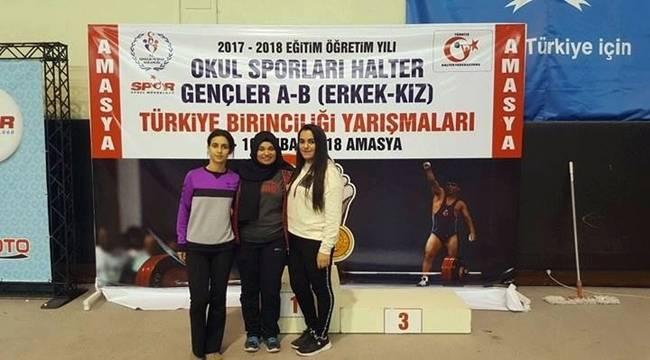 Viranşehir'de Halter'de Büyük Başarı