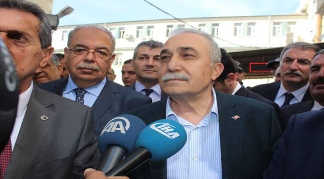 Bakan Fakıbaba'ya Adıyaman'da Çiğ köfte Kimin Sorunu Sordular