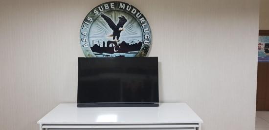 Evden televizyon çalan hırsız yakalandı