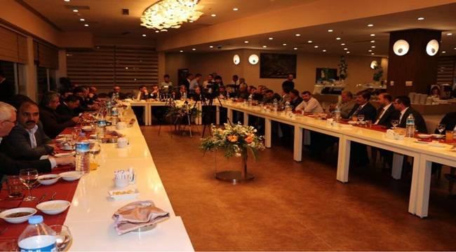 Faruk Çelik, Gazetecilerle Sohbet Etti
