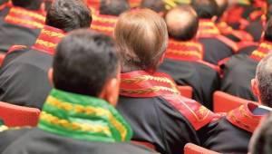 Şanlıurfa Hakimi Dahil 17 Hakim ve Savcı İhraç Edildi