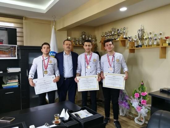 HRÜ aşçıları altı madalya birden kazandı
