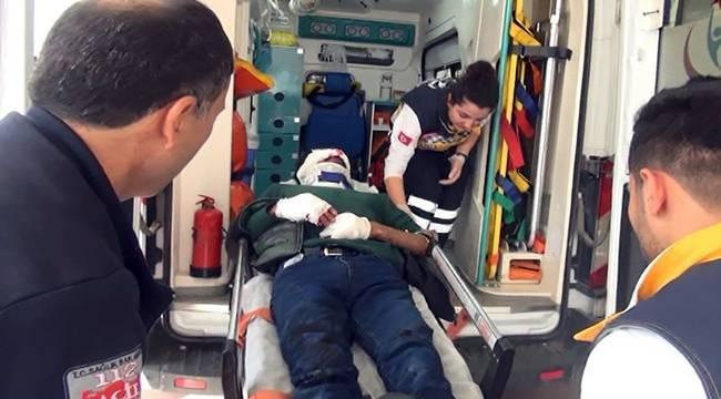 Motosiklet Otomobile Çarptı, 2 yaralı