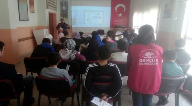 Öğrencilere Afet Bilinci Eğitimi Verildi