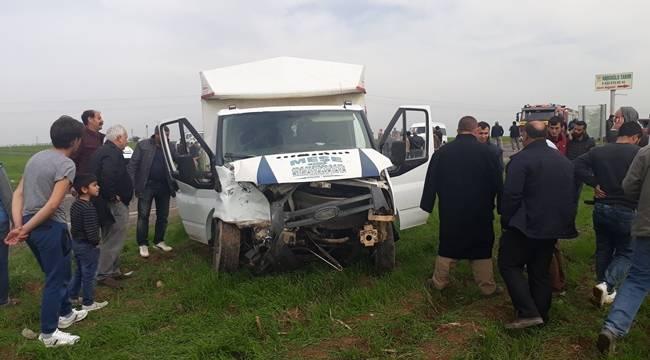 Ölüm Kavşağında Kaza,1 çocuk öldü, 8 yaralı