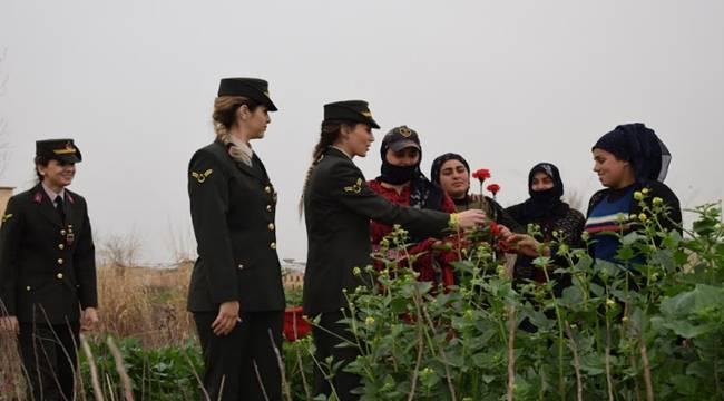 Şanlıurfa İl Jandarma Komutanlığı,Harranlı Kadınlar İle Buluştu