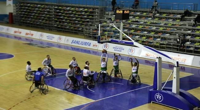 Tekerlekli Basketbol Takımı Potada Liderliğini Sürdürüyor