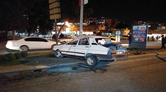 Topçu Meydanında Otomobilin Freni Boşaldı
