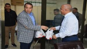 Viranşehir'de 10 Bin Kandil Simidi Dağıtıldı
