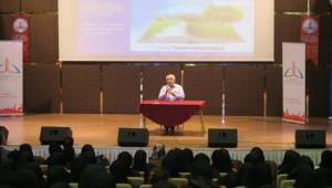Yazar Vehbi Vakkasoğlu Öğrencilerle Buluştu