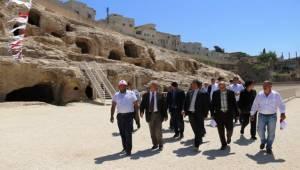 133 Kaya Mezar Şanlıurfa Turizmine Kazandırıldı