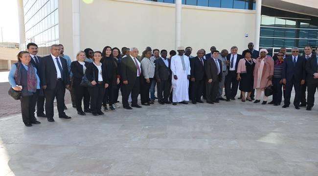 Afrikalı Büyükelçiler Harran Üniversitesini Ziyaret Etti