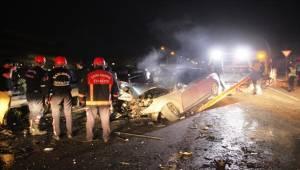 Akabe'de Otomobil Tır'a Çarptı, 1 Yaralı
