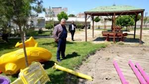 Birecik'te Parkların Çehresini Değişiyor