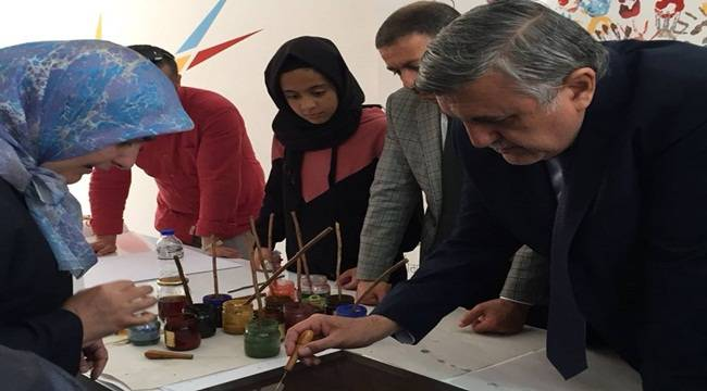 Hatice Kübra İmam Hatip Lisesinde Bilim Sanat Şenliği