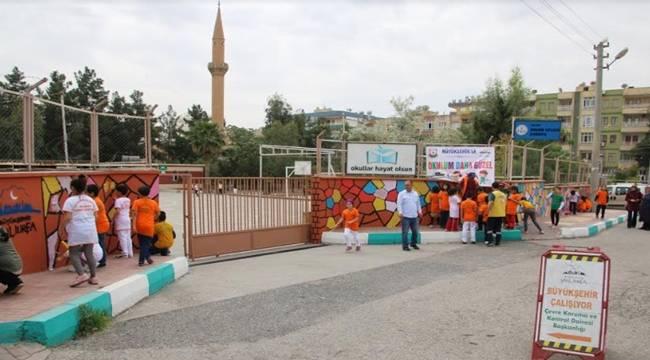 İbrahim Tatlıses İlkokulunun Duvarları Boyandı