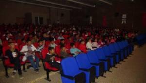 Kırsalda okuyan öğrenciler sinema keyfi yaşadı