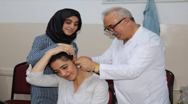 Öğrenciler sınav kaygısını akupunktur ile atlatıyor