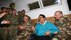 Tatlıses Yaylalar Türküsünü Afrin'e Uyarladı-Videolu Haber