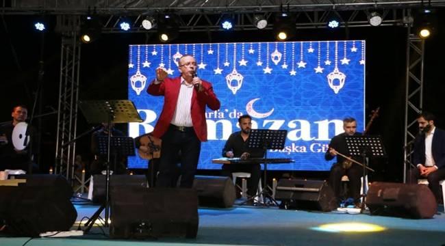 Ahmet Turabi Konserine Yoğun İlgi