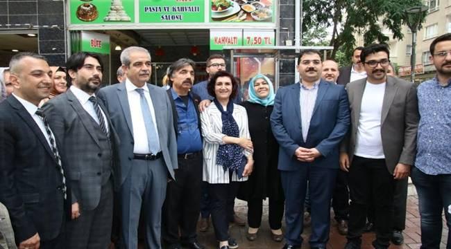 AK Parti-MHP İttifakının Urfa'daki Resmi Takdir Topladı