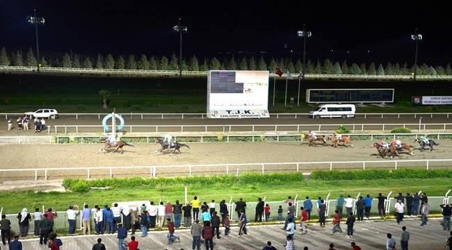 Atlar, Veteriner Fakültesi Kupası için Koştu