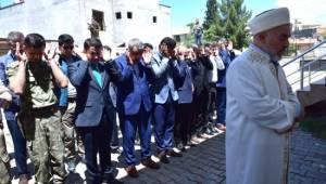 Filistinliler için gıyabi cenaze namazı kılındı