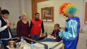 Gençlik Merkezi Öğrencileri Hastaneyi Ziyaret Etti