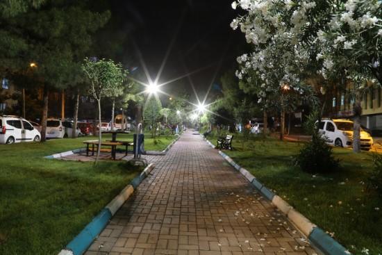 Haliliye'de parklar güvenli hale getiriliyor