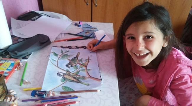 İlkokul öğrencisi resim sergisi açtı