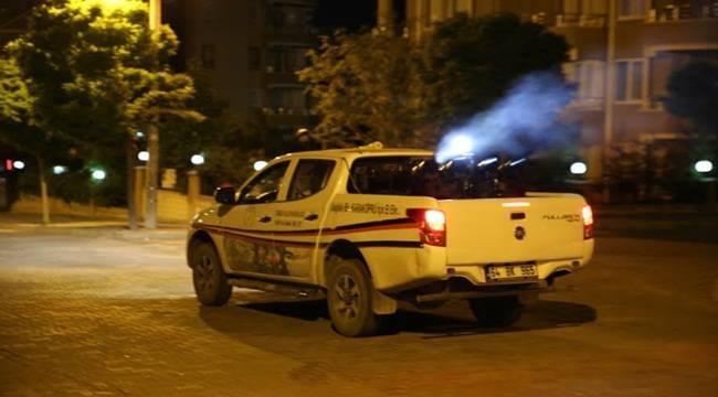 Karaköprü'de İlaçlama Gece Gündüz Sürüyor