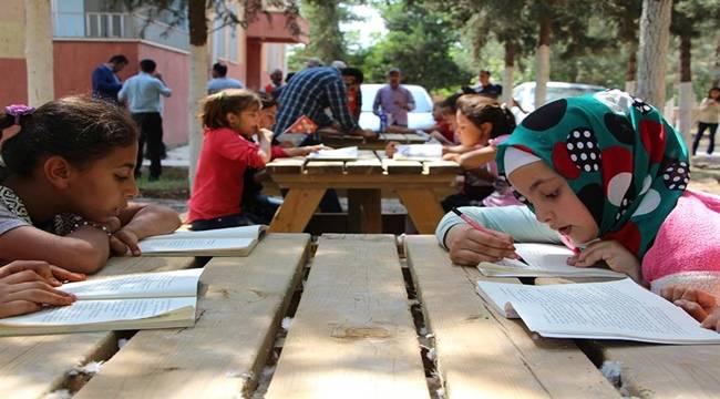 Köy Okuluna Yardım Elini Ceylanpınar Belediyesi Uzattı