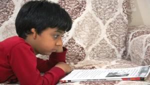 Kulağı Doğuştan Kapalı Olan Çocuk Tedavi Olmak İstiyor