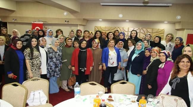 Şanlıurfa'nın Ak Kadınlarına İftar Yemeği