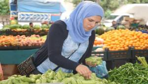 Urfa'da Su ve Sakız Kabağı Pazara İndi