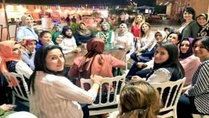Urfa'nın AK Kadınları Ziyaretlerini Sürdürüyor