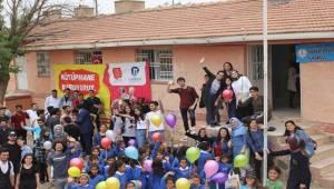 Yabancı Diller Yüksekokulu İki Kütüphane Kurdu