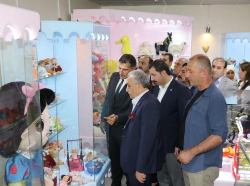 Bakan Fakıbaba oyun ve oyuncak müzesine hayran kaldı