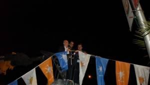 Bakan Fakıbaba vince çıkıp bayrak astı